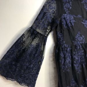 Motherhood maternity black blue lace bell sleeve